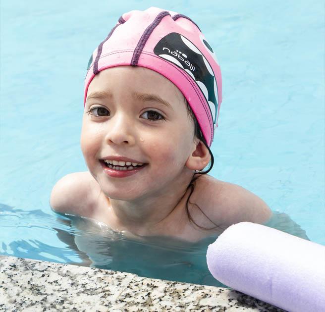 Niños nadadores